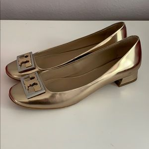 Tory Burch Gigi Pump Flats in Mila Color Gold